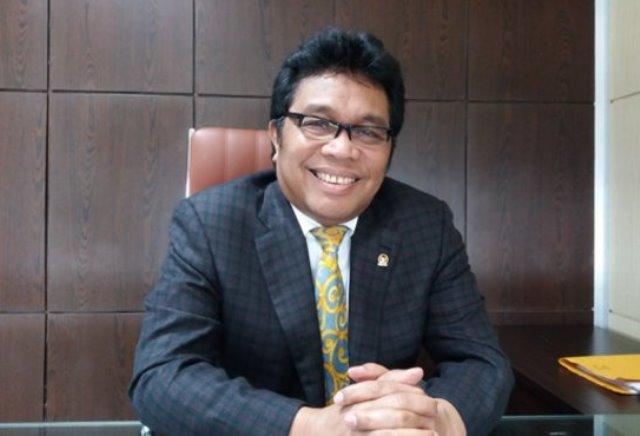 RIDWAN BAE, legislator Golkar